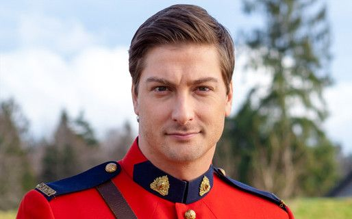 Daniel-Lissing-photos Bio Net worth Height Body Girlfriend Affair Married Ethnicity 1