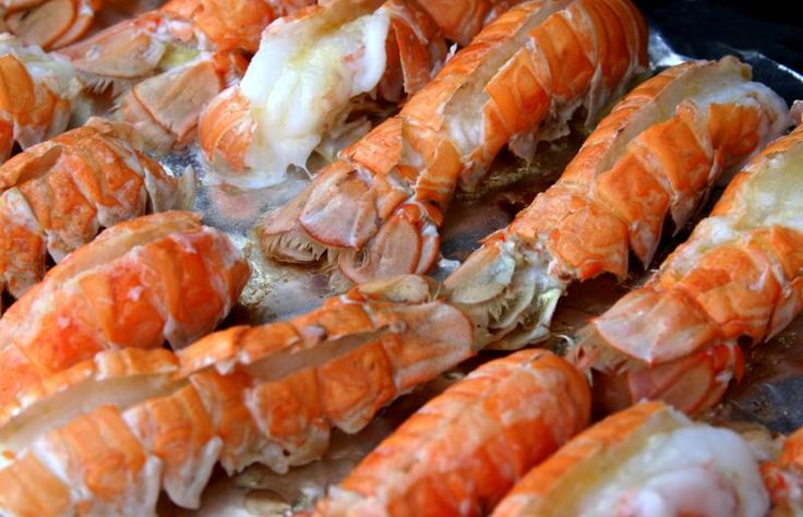 How to Know How Long to Boil Lobster Tails