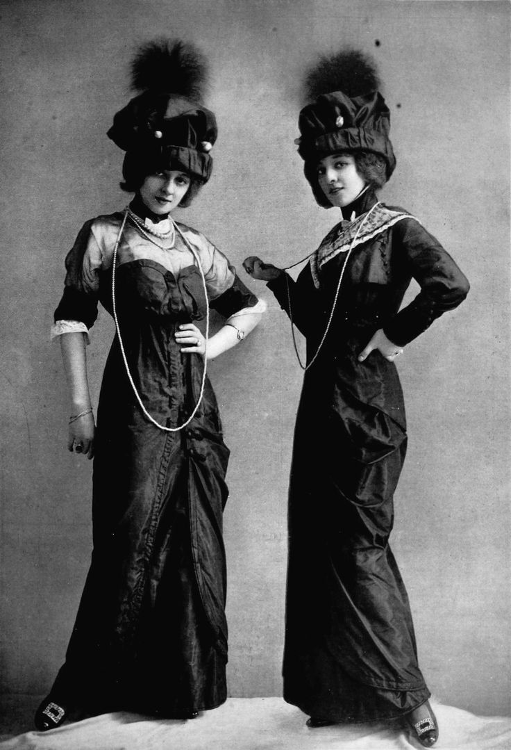 Dress for the races by J. Dukes, photo by Reutlinger, Les Modes May 1912.