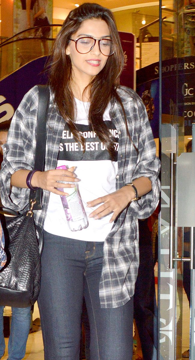 Sonam Kapoor sporting a casual geeky look. #Bollywood #Fashion #Style #Beauty