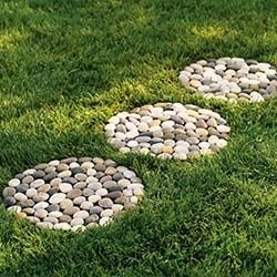 homemade stepping stones | River Stepping Stones - a must DIY project this spring! | Homemade