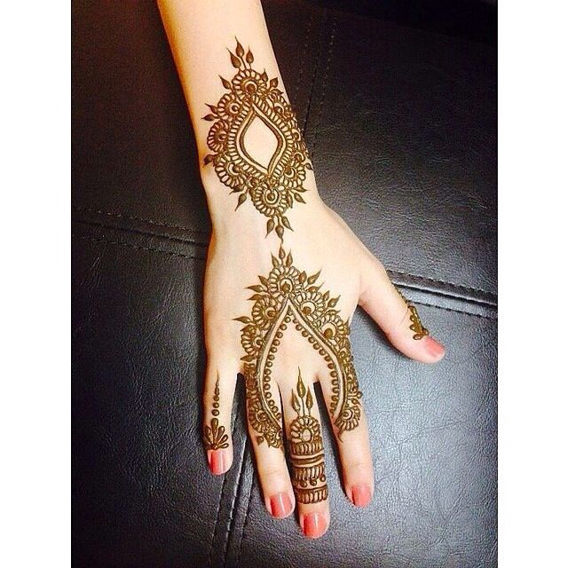 need to try this mehndhi design