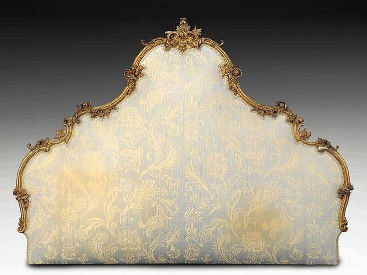 Testile di letto in legno scolpito e dorato