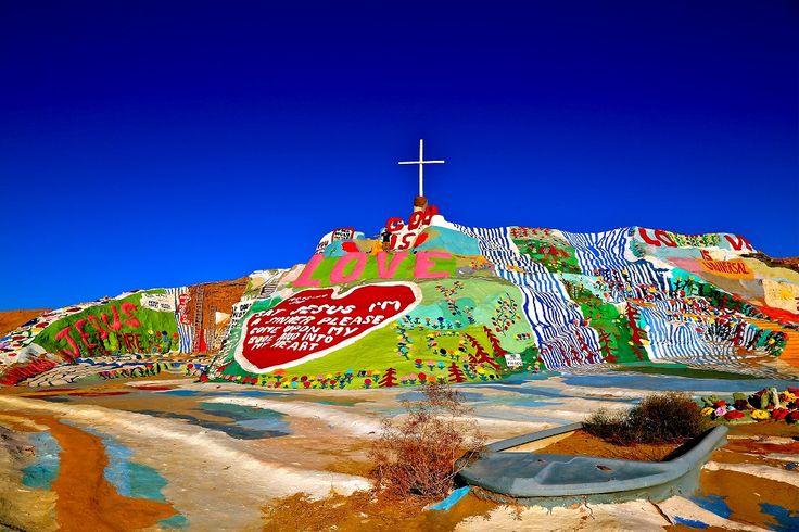 Vue de Salvation Mountain en #Californie. #roadtrip #USA @lostintheusa1
