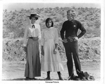 Susan Clark, Katharine Ross and Robert Redford in Tell Them Willie Boy Is Here directed by Abraham Polonsky, 1969