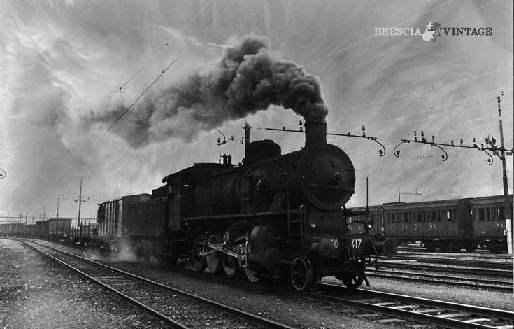 """""""Locomotiva a vapore alla Stazione di Brescia"""" - 1973 http://www.bresciavintage.it/brescia-antica/fotografie-d-autore/locomotiva-a-vapore-alla-stazione-di-brescia-1973/"""