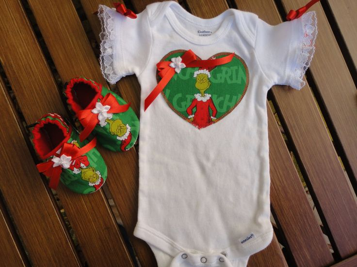 Dr. Seuss Grinch Christmas Boutique 2 Piece Outfit Baby Girl Christmas Grinch Baby Girl The Grinch 2 Piece Baby Girl Outfit Matching Booties by doodlesbabylicious on Etsy https://www.etsy.com/listing/208449746/dr-seuss-grinch-christmas-boutique-2