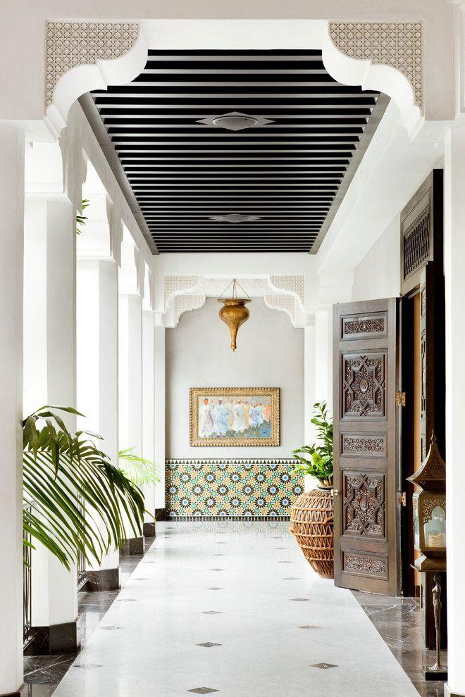 Плитка в марокканском стиле: сочетание этники и эстетики Востока http://happymodern.ru/plitka-v-marokkanskom-stile/ Марокканская плитка в оформлении холла в восточном стиле