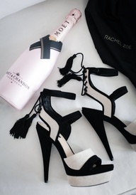 chanel and champagne perfect #tacchi #highheels #fashion