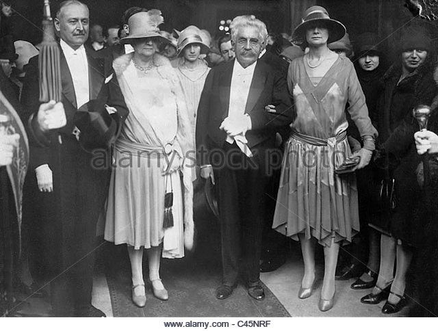 Alexandre Millerand with his wife during the wedding of their son, 1928 - Stock Image