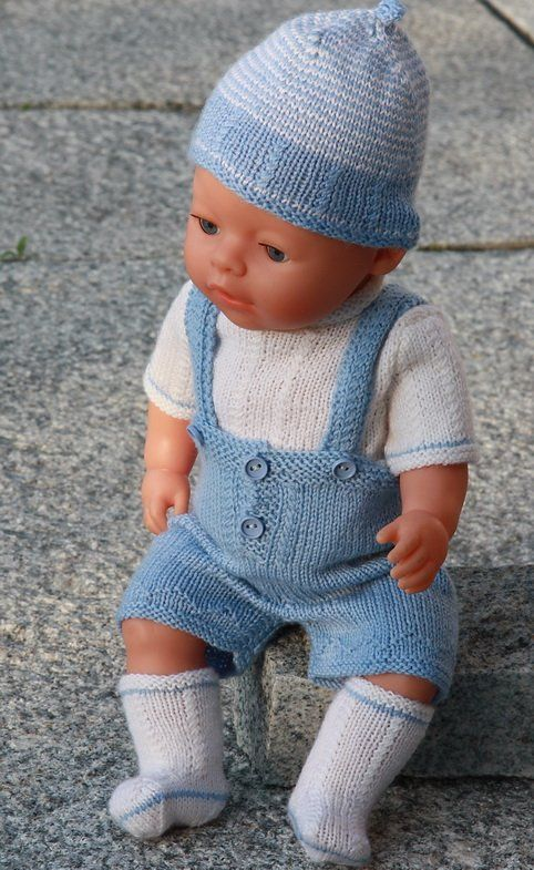 Lovely doll knitting pattern to Baby born in light blue and white, easy to knit
