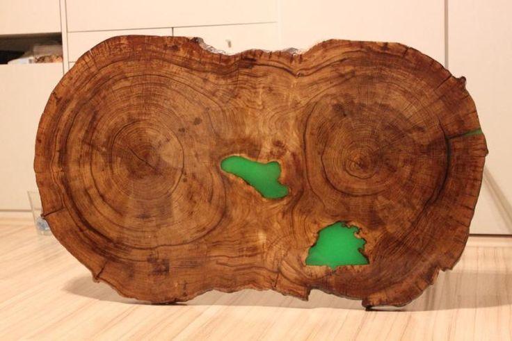 Zum Verkauf steht einen aussergewöhnlichen Tisch aus einer Baumscheibe aus Eichenstamm. Die Grünen...,Tisch leuchtet in Dunkel Baumscheibe Esstisch Massivholz Eiche in München - Schwabing-West
