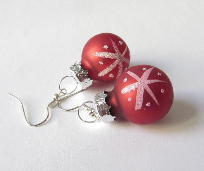 Weihnachtskugeln-Ohrhänger Eiskristall rot-silber von soschoen auf DaWanda.com