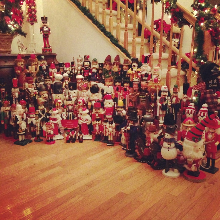 Nutcrackers!!!  Christmas Decor Ideas  Pinterest ~ 222853_Christmas Decorating Ideas With Nutcrackers