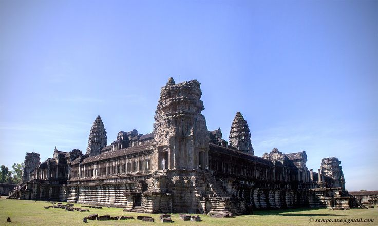 Angkor Wat, Cambodia. Photo: Sampo Axelsson. #angkorwat #cambodia #building #architecture #sampo