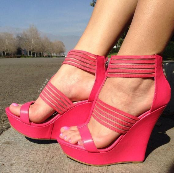 1000  images about Hot Pink Heels on Pinterest | Hot pink Peep