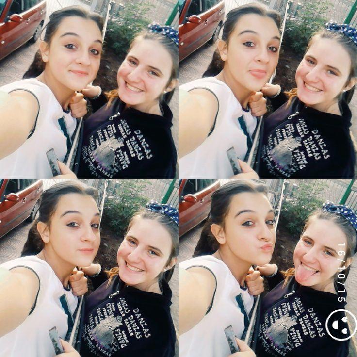 Un amica è una delle cose più preziose che si possa avere, è una delle cose più belle che si possa essere.
