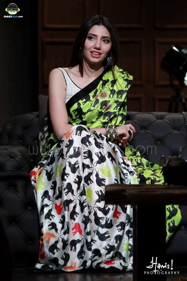 Mahira Khan looking gorgeous in thz lovely saree