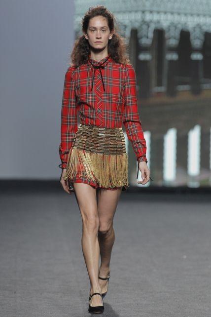 Fashion Week Madrid 2017: Las princesas rebeldes de Teresa Helbig