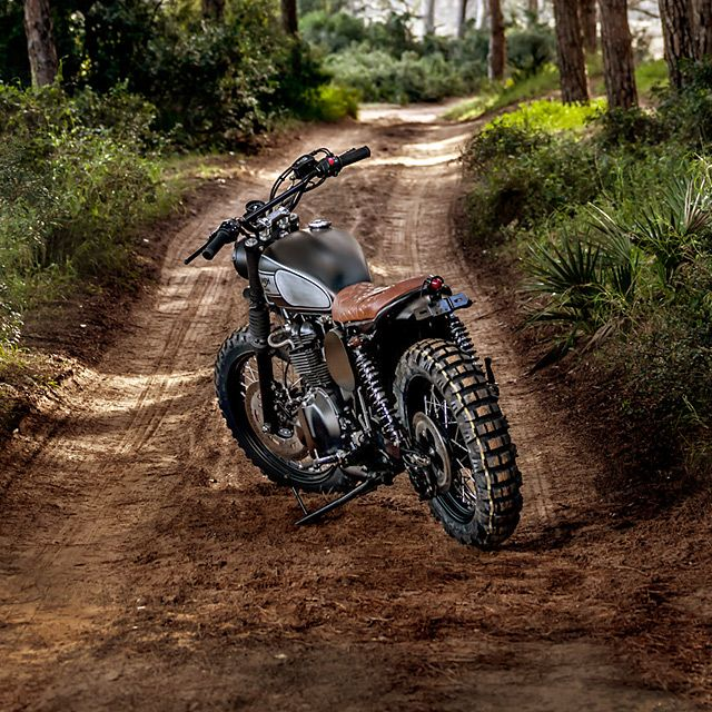 2007 Triumph- Macco Motors Where'dthat year go? Suddenly 'tis the season to be jolly and we're on our last bike of the year. Damn. So,what better way to say 'season's greetings' than with the latest build from Spain's ...