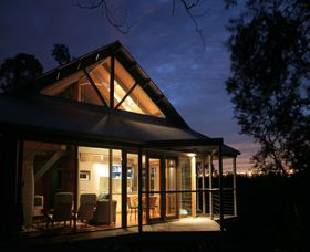 Looking for a romantic escape or a long weekend away with friends ? centrally positioned Bombah Point Eco Cottages provide the perfect setting to relax and explore the gorgeous Myall Lake region. #EcoHolidays #MyallLakes #Romantic #Bulahdelah  www.OzeHols.com.au/2314