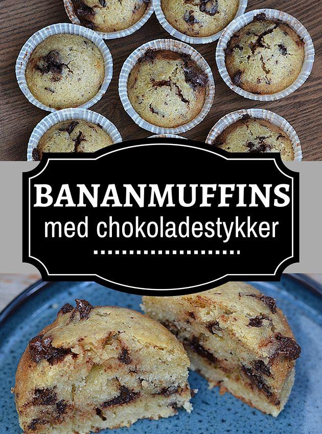 Dejligt svampede bananmuffins med masser af store chokoladestykker, som tilføjer lidt herligt knas. Jeg nupper lige en mere..