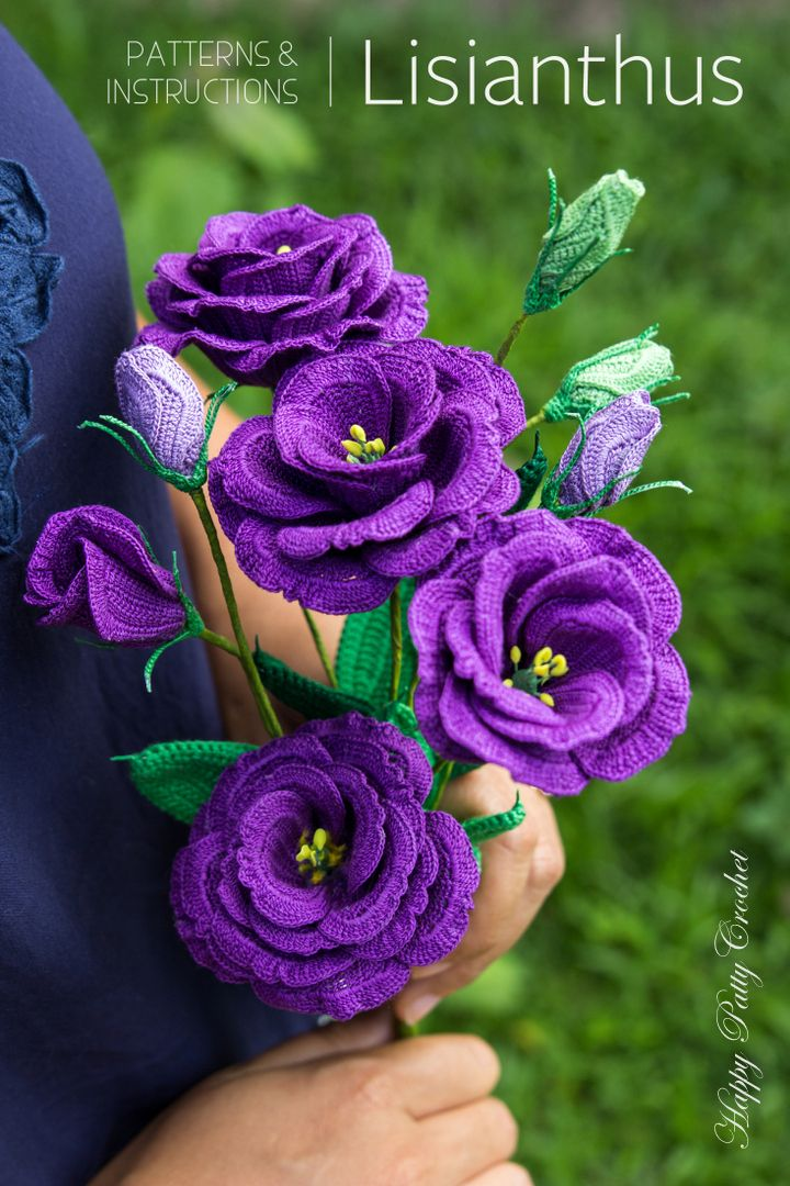 Crochet Lisianthus Flower pattern by Happy Patty Crochet // A stunningly beautiful flower, the Lisianthus (or Texas Bluebell), is a popular choice in wedding bouquets, decor and arrangements – its size and beauty make it a very versatile blossom.