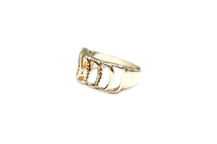 Euodia Ring http://www.chutani.ch/collections/rings/products/euodia-ring