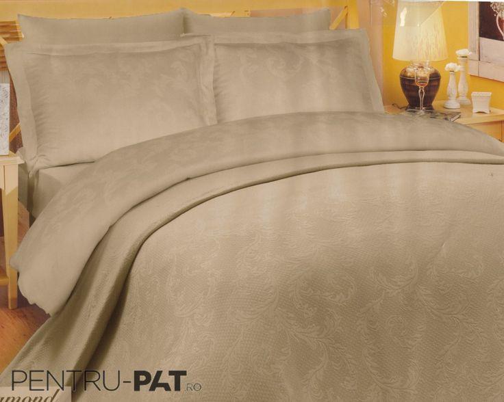 Cuvertura pat pentru doua persoane Hobby Diamond light brown