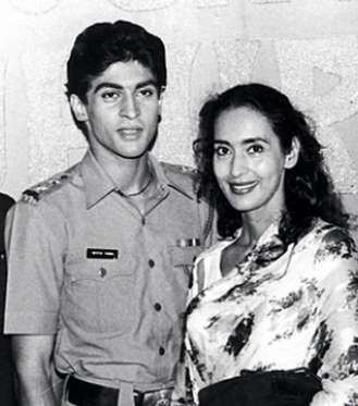 Mohnish Behl with Nutan - Provided by Masala.com