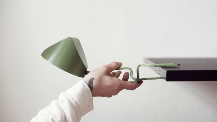 SNAP LAMP snaps onto surface