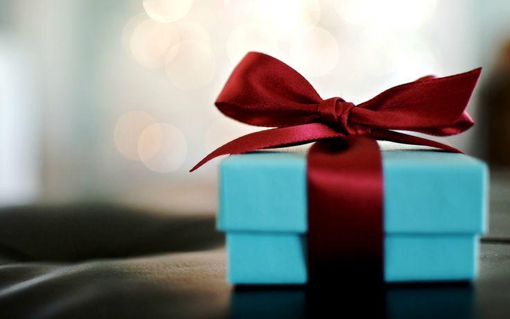 Ce cadouri să cumperi de Crăciun unui scriitor