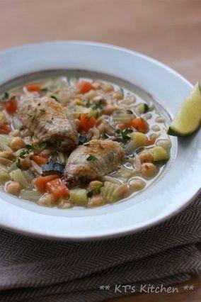 手羽先とオルゾー、野菜色々のハーブスープ|レシピブログ