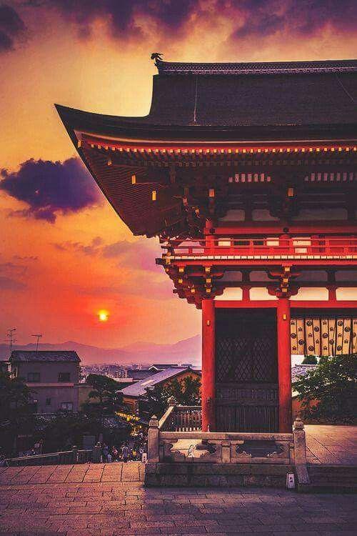 Sunset in Kiyomizu-dera, Kyoto