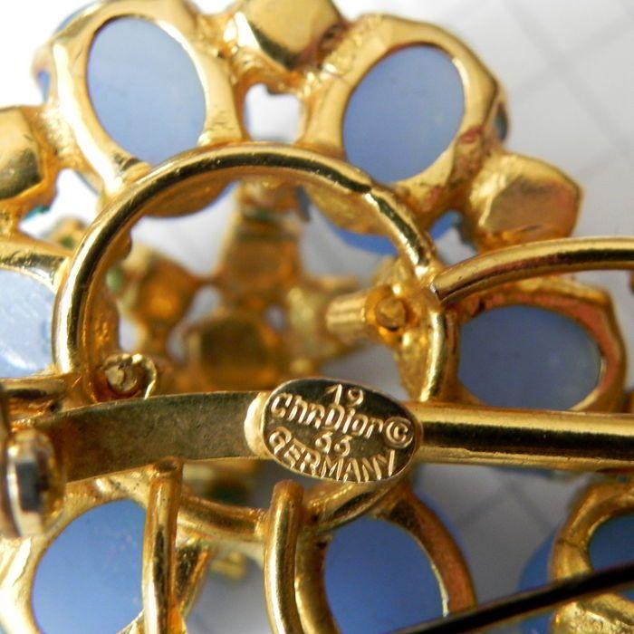 Spilla d'annata Christian Dior del 1966 per intenditori e collezionisti
