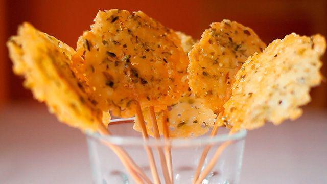 Piruletas de queso parmesano: Videoreceta de Piruletas de queso parmesano - Tapas, Pinchos y Aperitivos - Recetas de cocina - Charhadas.com