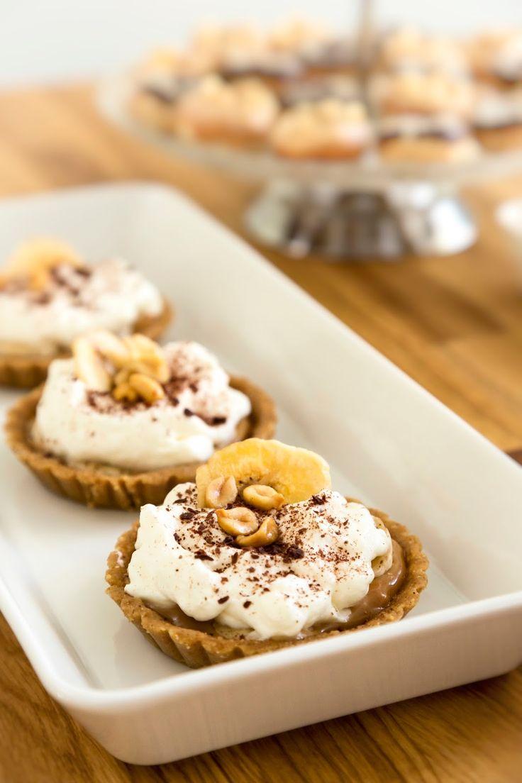 Banoffee pieninä leivoksina on helppo ja näyttävä herkku.