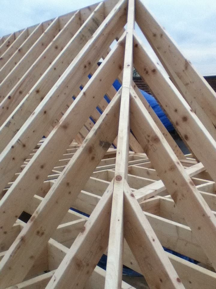 Hip Rafter And Jack Rafters Framing Construction Timber Roof Roof Framing