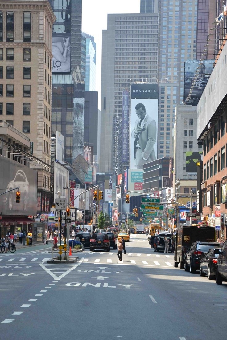 New York, USA - 08.12  #newyork #ny #summer #USA #newyorkcity #nyc #timesquare #day #lightstrafic