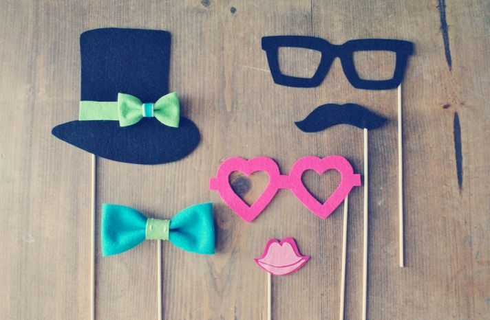 Fantastically Fun Props for the Wedding Photo Booth | OneWed