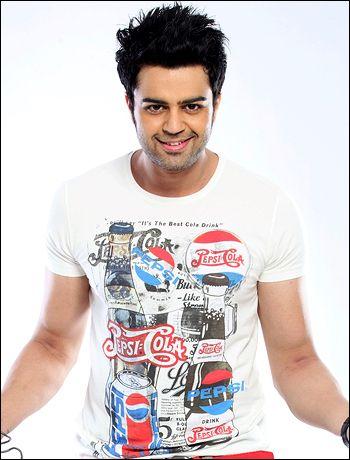 Bollywood all praises for Manish Paul starrer Mickey Virus! - http://www.bolegaindia.com/gossips/Bollywood_all_praises_for_Manish_Paul_starrer_Mickey_Virus-gid-36291-gc-6.html