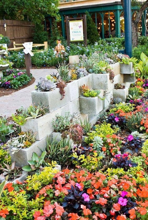 M s de 25 ideas incre bles sobre jardineras de cemento en for Jardineras con bloques