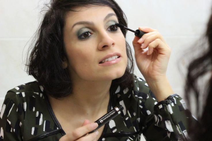 Mascara Liquidfora: http://fashionandveg1.blogspot.it/2015/01/vegan-beauty-il-mascara-liquidflora.html#more