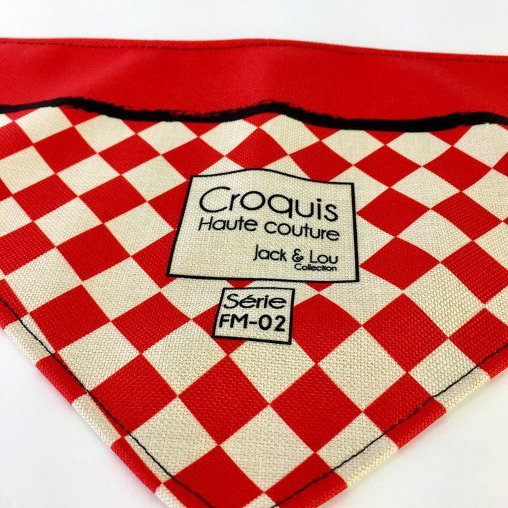Le chouchou de ma boutique https://www.etsy.com/ca-fr/listing/500183404/foulard-pour-chiengrandeur-moyenboutons