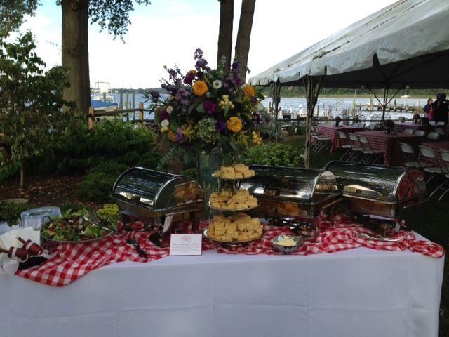 Cute buffet table!