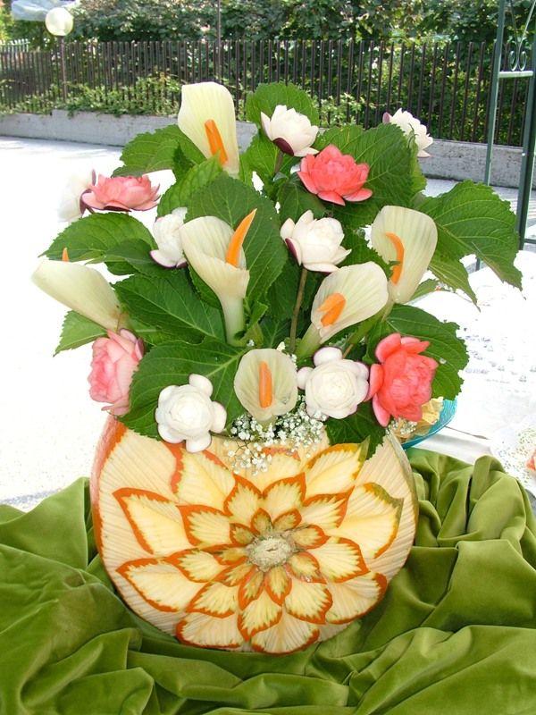 Flowers? No, vegetables. Fresh and colorful - Fiori? No, vegetali. Fresco e colorato.