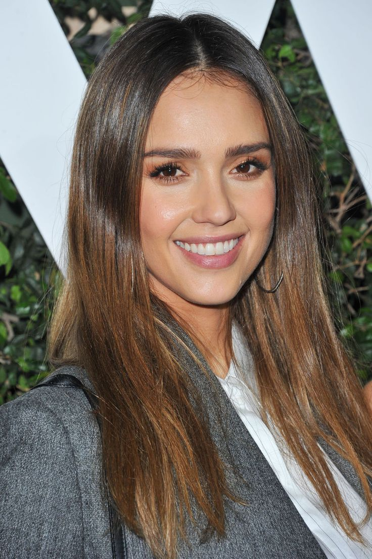 The combination of golden, caramel highlights in dark brown hair is all it takes to replicate Jessica Alba's pretty color. The perfect balayage for brunettes, it'll leave you lighting up every room you enter.