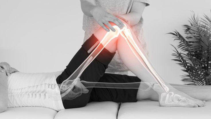 Veel mensen slikken glucosaminesupplementen omdat het zou helpen tegen pijn in gewrichten en de bewegingscapaciteit van de knie of heup verbetert. Maar klopt dit wel? Is glucosamine echt het wondermiddel waarbij iedereen gebaat is?  https://www.fit.nl/herstel/glucosamine