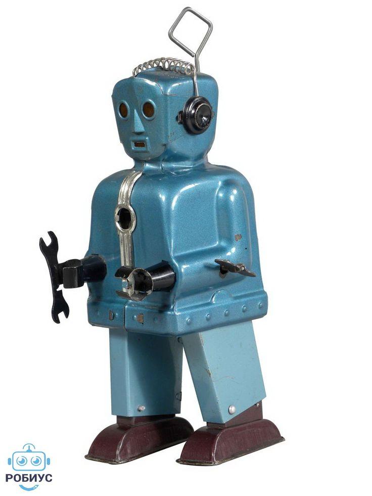 """Своим названием роботы обязаны совсем не кибернетикам и даже не инженерам, а писателю. Это Карел Чапек — известный чешский писатель и драматург впервые придумал это слово. Впервые слово робот было упомянуто в его пьесе «Р.У.Р.» – «Россумские Универсальные Роботы», описывающей фабрику, на которой роботы собирают самих себя. Произведение увидело свет в 1920 году. Сначала Чапек хотел назвать механических созданий «лаборами» (от латинского слова """"labor"""" – труд), но это слово показалось ему не…"""