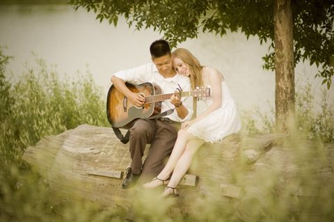 this would be a great engagement shot if your man plays guitar... oh lalaaaaaaa